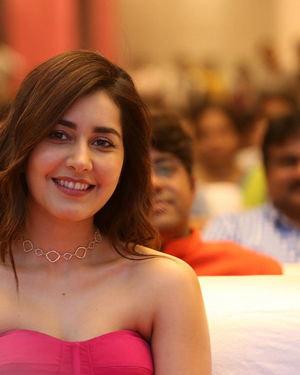 Raashi Khanna - Prathi Roju Pandage Movie Pre Release Event Photos | Picture 1707929