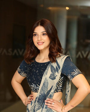 Mehreen Kaur - Entha Manchivaadavuraa Movie Press Meet Photos | Picture 1710271