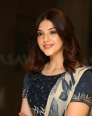 Mehreen Kaur - Entha Manchivaadavuraa Movie Press Meet Photos   Picture 1710262