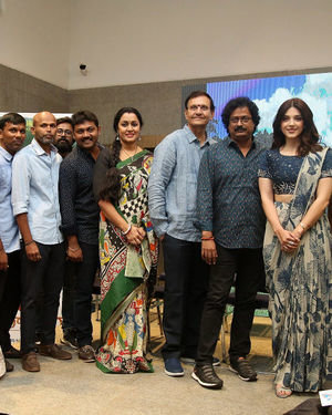 Entha Manchivaadavuraa Movie Press Meet Photos