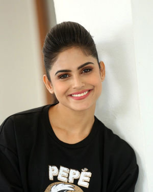 Naina Ganguly - Beautiful Telugu Movie Press Meet Photos | Picture 1711424