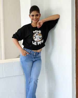 Naina Ganguly - Beautiful Telugu Movie Press Meet Photos | Picture 1711405