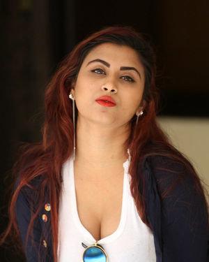 Gunnjan Aras - Wife I Movie Press Meet Photos | Picture 1711309