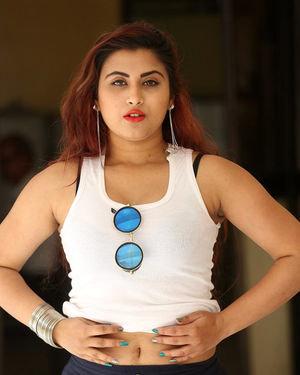 Gunnjan Aras - Wife I Movie Press Meet Photos | Picture 1711292