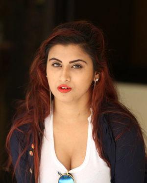 Gunnjan Aras - Wife I Movie Press Meet Photos | Picture 1711307