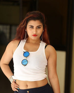 Gunnjan Aras - Wife I Movie Press Meet Photos | Picture 1711291
