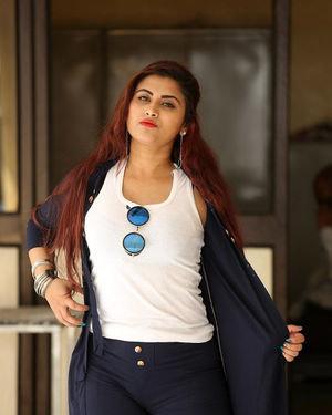 Gunnjan Aras - Wife I Movie Press Meet Photos | Picture 1711301