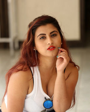 Gunnjan Aras - Wife I Movie Press Meet Photos | Picture 1711296