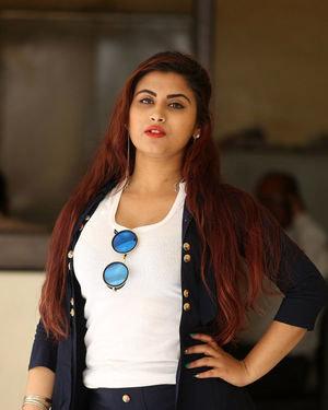 Gunnjan Aras - Wife I Movie Press Meet Photos   Picture 1711300