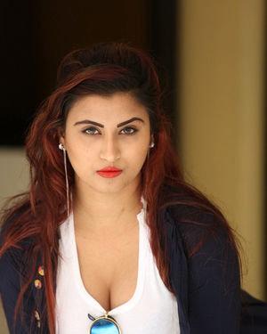 Gunnjan Aras - Wife I Movie Press Meet Photos | Picture 1711308