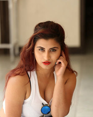Gunnjan Aras - Wife I Movie Press Meet Photos | Picture 1711295