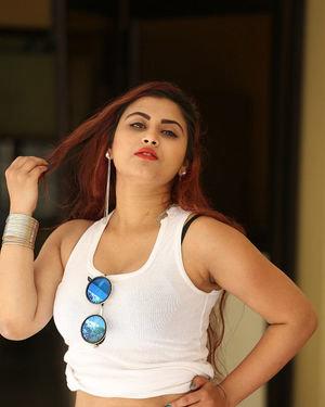 Gunnjan Aras - Wife I Movie Press Meet Photos | Picture 1711288