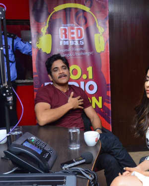 Nagarjuna And Rakul At Red FM For Manmadhudu 2 Second Single Launch Photos | Picture 1669991