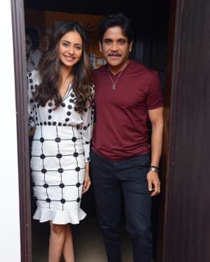 Nagarjuna And Rakul At Red FM For Manmadhudu 2 Second Single Launch Photos | Picture 1669995