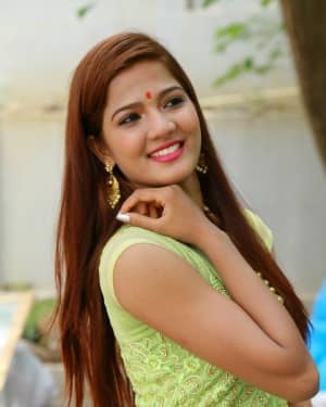 Sravani Nikki - Arjun Veta Movie Opening Photos