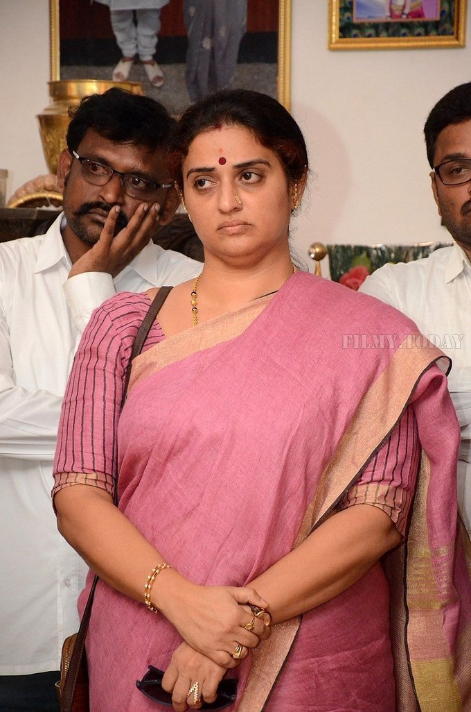 Photos: Celebs Pay Homage To Vijaya Nirmala | Picture 1657873