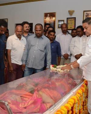 Photos: Celebs Pay Homage To Vijaya Nirmala   Picture 1657515