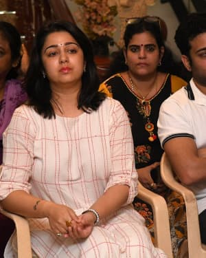 Charmy Kaur - Photos: Celebs Pay Homage To Vijaya Nirmala