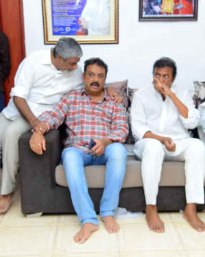 Photos: Celebs Pay Homage To Vijaya Nirmala