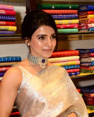 Samantha Launches Mugdha Store at Banjarahills Photos