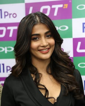 Photos: Pooja Hegde Launched Oppo F11 Pro Mobile At LOT Mobiles