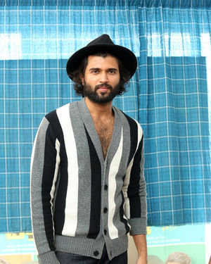 Vijay Devarakonda - Meeku Mathrame Chepta Movie Team Interview Photos | Picture 1695706