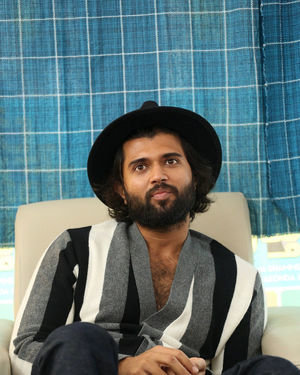 Vijay Devarakonda - Meeku Mathrame Chepta Movie Team Interview Photos | Picture 1695701