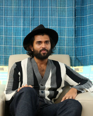 Vijay Devarakonda - Meeku Mathrame Chepta Movie Team Interview Photos | Picture 1695699