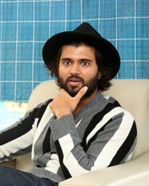 Vijay Devarakonda - Meeku Mathrame Chepta Movie Team Interview Photos | Picture 1695702