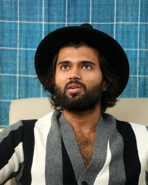 Vijay Devarakonda - Meeku Mathrame Chepta Movie Team Interview Photos | Picture 1695700