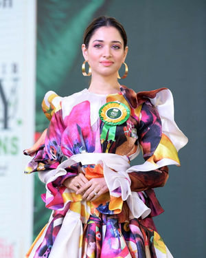Tamanna Launches Suchirindia Ivy Greens Project Photos