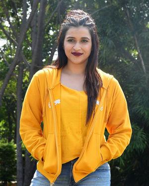 Mannara Chopra - Hi 5 Movie Shooting Spot Coverage And Press Meet Photos | Picture 1697192