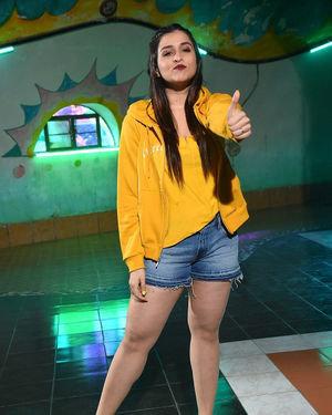 Mannara Chopra - Hi 5 Movie Shooting Spot Coverage And Press Meet Photos | Picture 1697113