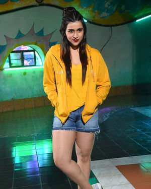 Mannara Chopra - Hi 5 Movie Shooting Spot Coverage And Press Meet Photos   Picture 1697115