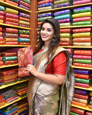 Priyanka Jawalkar Inaugurates Kanchipuram GRT Silks Photos   Picture 1700963