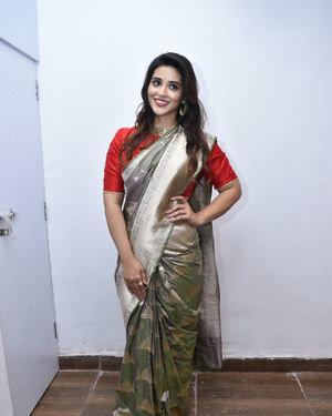 Priyanka Jawalkar Inaugurates Kanchipuram GRT Silks Photos   Picture 1700959