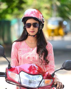 Neha Solanki - 90 ML Telugu Movie Stills | Picture 1702864