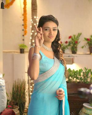 Neha Solanki - 90 ML Telugu Movie Stills | Picture 1702885