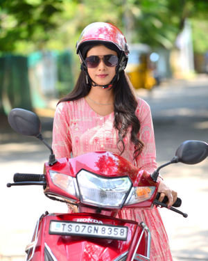 Neha Solanki - 90 ML Telugu Movie Stills | Picture 1702849