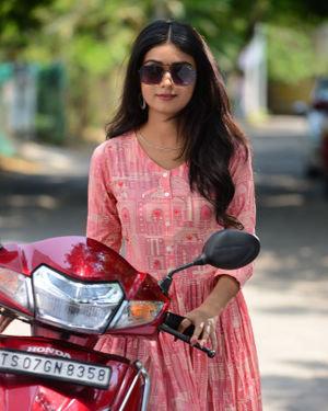 Neha Solanki - 90 ML Telugu Movie Stills | Picture 1702882