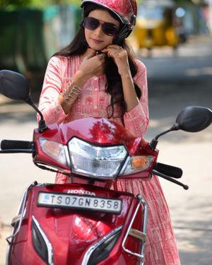 Neha Solanki - 90 ML Telugu Movie Stills | Picture 1702870