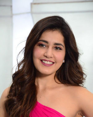 Raashi Khanna - Prathi Roju Pandage Movie Song Shoot Coverage And Press Meet Photos | Picture 1702893