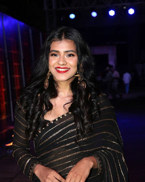 Hebah Patel - Zee Kutumbam Awards 2019 Photos