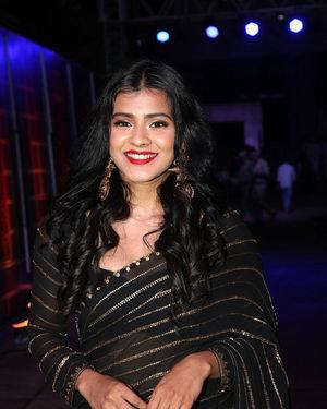 Hebah Patel - Zee Kutumbam Awards 2019 Photos