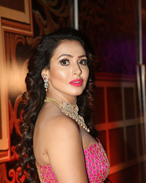 Nandini Rai - Zee Kutumbam Awards 2019 Photos | Picture 1690211