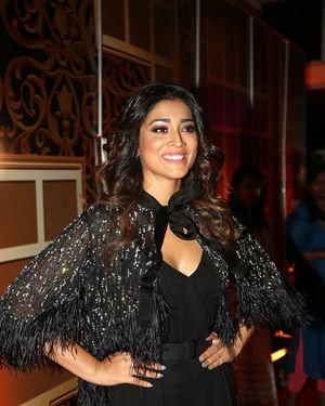 Shriya Saran - Zee Kutumbam Awards 2019 Photos