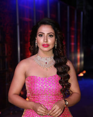 Nandini Rai - Zee Kutumbam Awards 2019 Photos | Picture 1690203