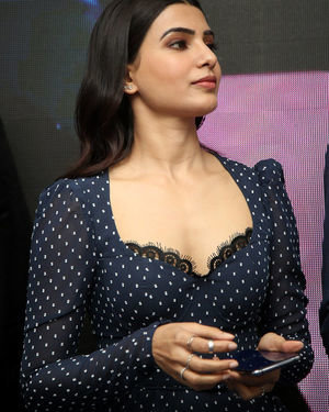 Samantha Launches Oneplus Mobiles At Big C | Picture 1690707