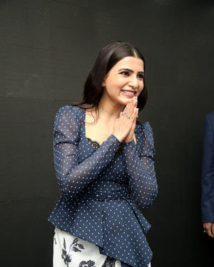 Samantha Launches Oneplus Mobiles At Big C | Picture 1690716
