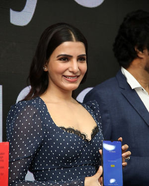 Samantha Launches Oneplus Mobiles At Big C | Picture 1690709